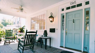 What to know before you sell your home front porch